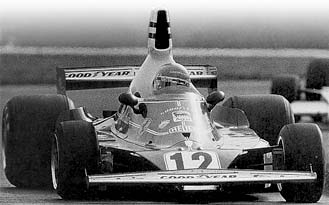Lauda on his way to victory at The Glen, October 5, 1975.